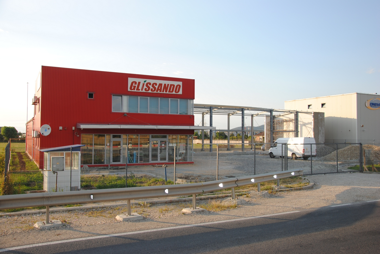 comercial-birouri19